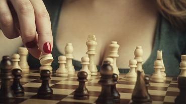 Sponsorem kobiecych rozgrywek szachowych ma być firma zarabiająca na powiększaniu piersi.