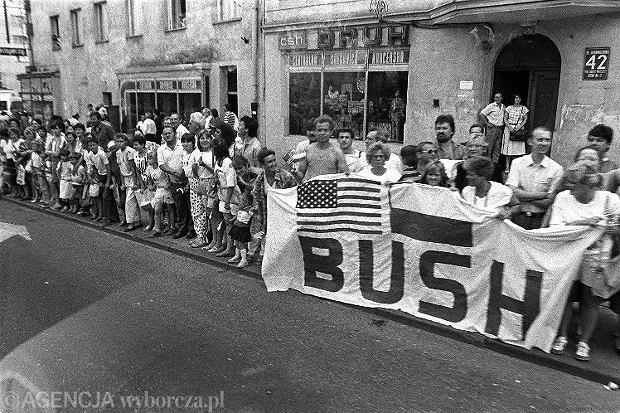 10 LAT - ROK 1989 - WIZYTA GEORGE BUSH'A W  POLSCE  FOT. JACEK MARCZEWSKI / AGENCJA GAZETA SLOWA KLUCZOWE: DYPLOMACJA ZDJĘCIE DO WKŁADKI: GAZETA WYBORCZA