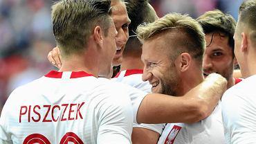 Jakub Błaszczykowski w objęciach kolegów, podczas meczu towarzyskiego Polska Litwa na Stadionie Narodowym. Warszawa, 12 czerwca 2018