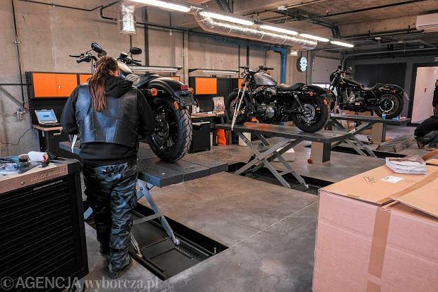 Zdjęcie numer 0 w galerii - Tysiąc pięćset metrów pasji, czyli salon Harley-Davidson i siedziba firmy Game Over Cycle