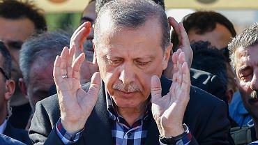 Pozycja prezydenta Erdogana po puczu stała się jeszcze silniejsza