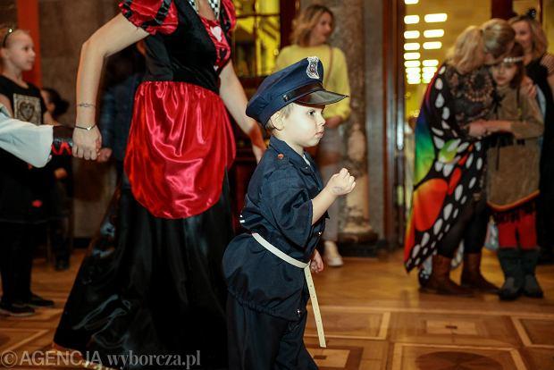 Zdjęcie numer 35 w galerii - Na dworze Królewny Śnieżki, czyli bal karnawałowy najmłodszych [ZDJĘCIA]