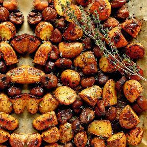 Ziemniaki zkasztanami pieczone wmiodzie