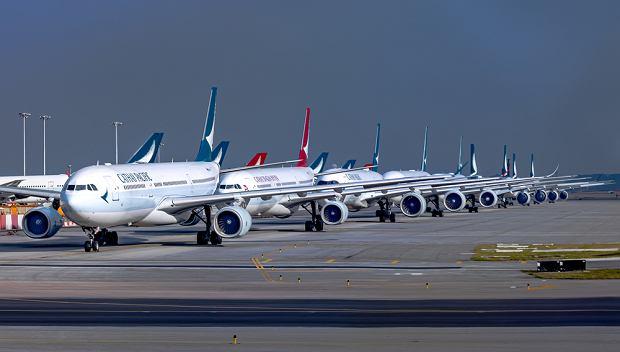 Wykupią pół miliona biletów, by pomóc lokalnym liniom lotniczym. Koszt to równowartość 1 mld zł