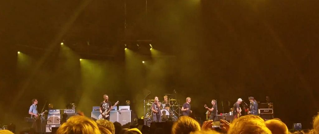 Pearl Jam 'Kick Out The Jams' with Kim Thayil, Steve Turner, and Mark Arm in Seattle 8/10/18