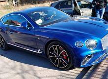 Bentley wart 1,5 miliona zł zniknął na trzy godziny. Kierowca poszedł po bułki, zostawił kluczyk