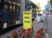 """""""Fotoradary"""" na spaliny w Warszawie. W Krakowie wykazały kilkukrotne przekroczenie norm"""
