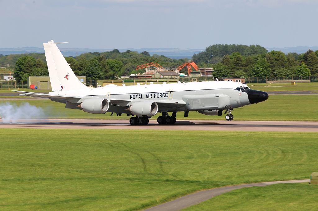 RC-135W Rivet Joint startuje z bazy Waddington