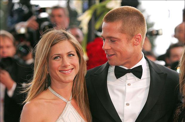 Brad Pitt i Jennifer Aniston znowu mają się ku sobie. Tak przynajmniej twierdzi amerykańska prasa. Okazuje się, że gwiazdor Hollywood długo nie mógł pogodzić się z rozwodem.