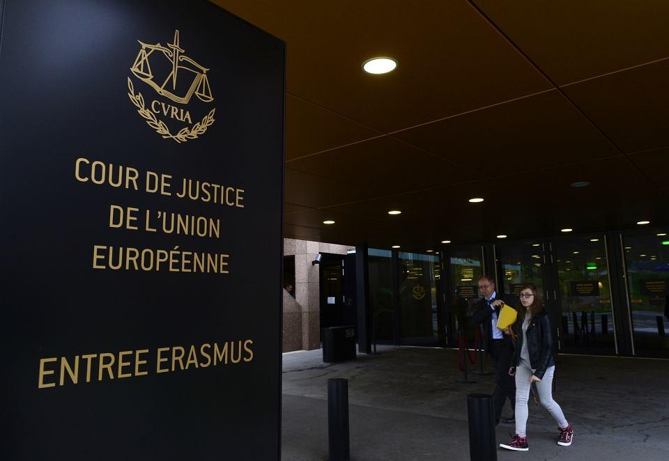 Zdjęcie numer 1 w galerii - Przed jakimi autorytarnymi zapędami nas już uratowały, a przed czym mogą uratować europejskie trybunały [analiza #WolnychSądów]