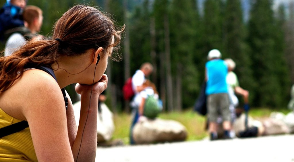 Odbudowanie relacji z rodzicami w dorosłym życiu, wymaga zaakceptowania błędów, które popełnili (fot. Pixabay.com)