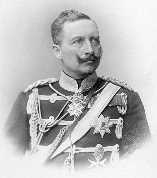 Cesarz Wilhelm II miał od urodzenia porażoną lewą rękę
