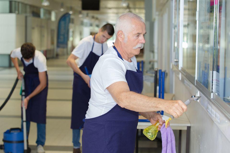 Dorabiający emeryt