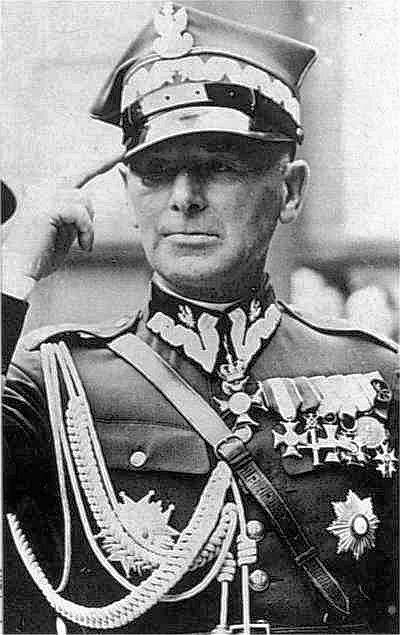 Marszałek Edward Rydz-Śmigły. Postać bardzo kontrowersyjna i przez wielu obarczana winą za wrześniową klęskę