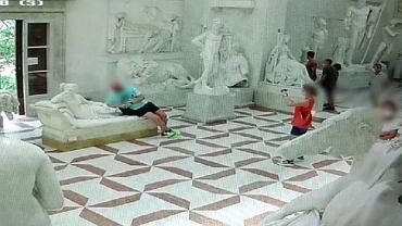 Turysta uszkodził dziewiętnastowieczną rzeźbę