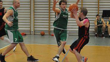 Zdjęcia z 7 kolejki XXXIII sezonu amatorskiej ligi koszykówki UNBA.PL w Warszawie