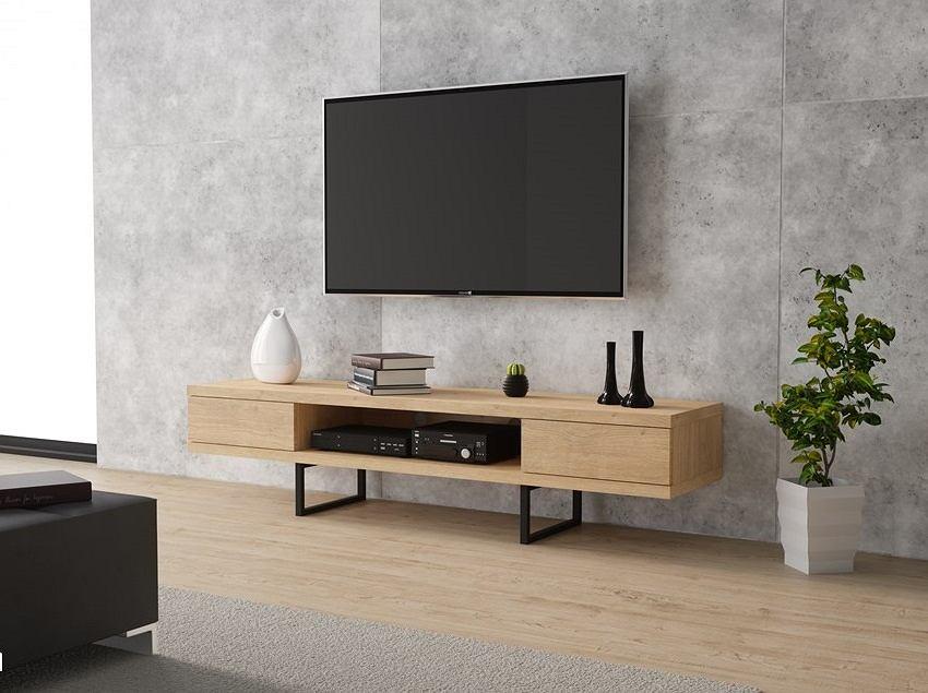 Telewizory z dużym ekranem kupisz teraz taniej. Sprawdź, które modele