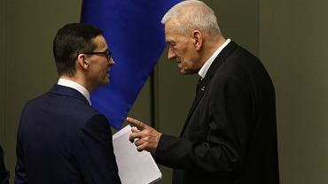 Premier Mateusz Morawiecki i marszałek senior Kornel Morawiecki