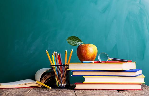 Lektury obowiązkowe na egzaminie ósmoklasisty 2021 [lista]
