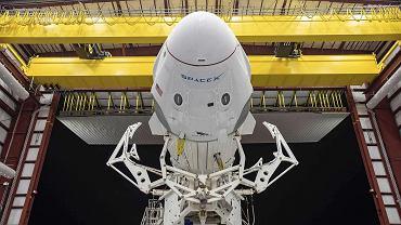 Loty Bransona i Bezosa to jeszcze nic. SpaceX wyniesie turystów w prawdziwy kosmos