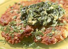 Placki ziemniaczane z sosem szpinakowym - ugotuj