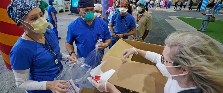 USA. W Houston nowa fala zakażeń i bardziej zakaźna odmiana koronawirusa