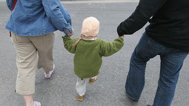 12 tys. na dziecko. Niektórzy rodzice mogą dostać więcej. Kluczowa jest jedna kwestia
