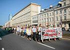 Marsz Milczenia na ulicach Warszawy. Powstańcy nie chcą nacjonalistycznych okrzyków i rac