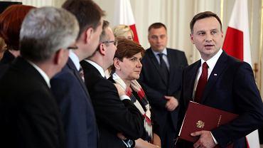 Prezydent elekt Andrzej Duda z szefową sztabu, posłanką PiS Beatą Szydło