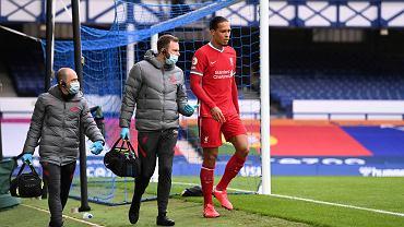 Legenda Liverpoolu wskazuje zastępcę van Dijka.