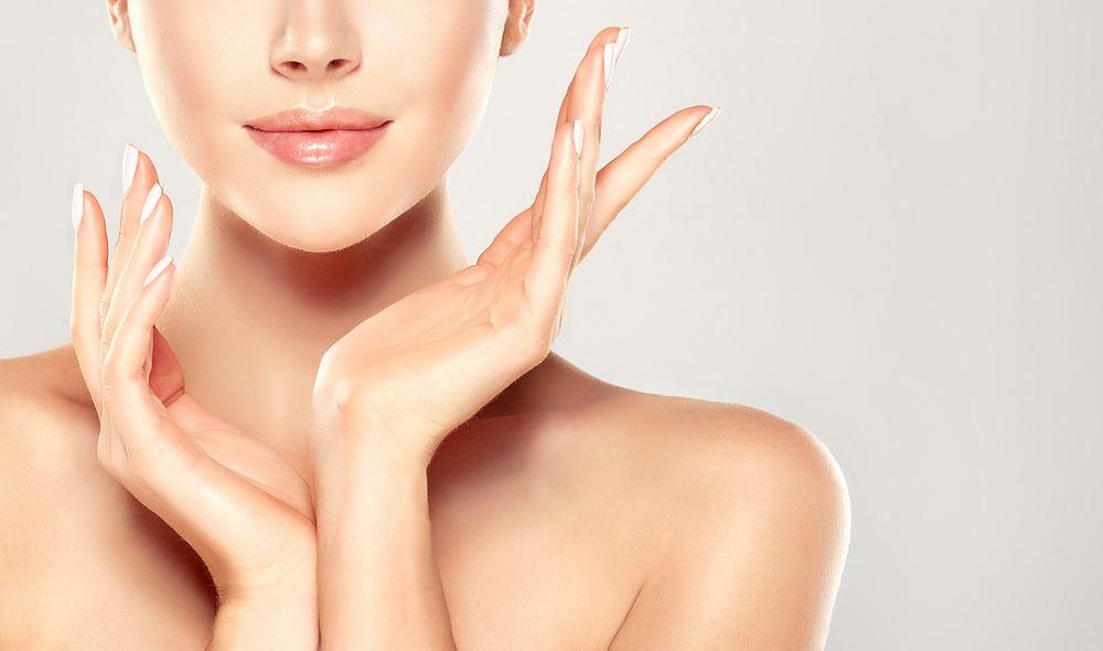 Jeśli płaszcz lipidowy działa jak należy skóra jest nie tylko odpowiednio nawilżona i chroniona, ale przede wszystkim wolna od niedoskonałości