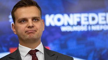 <Prezentacja jedynek list wyborczych Konfederacji w Warszawie