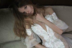 Magda Frąckowiak reklamuje suknie ślubne izraelskiej marki. Przepiękne!