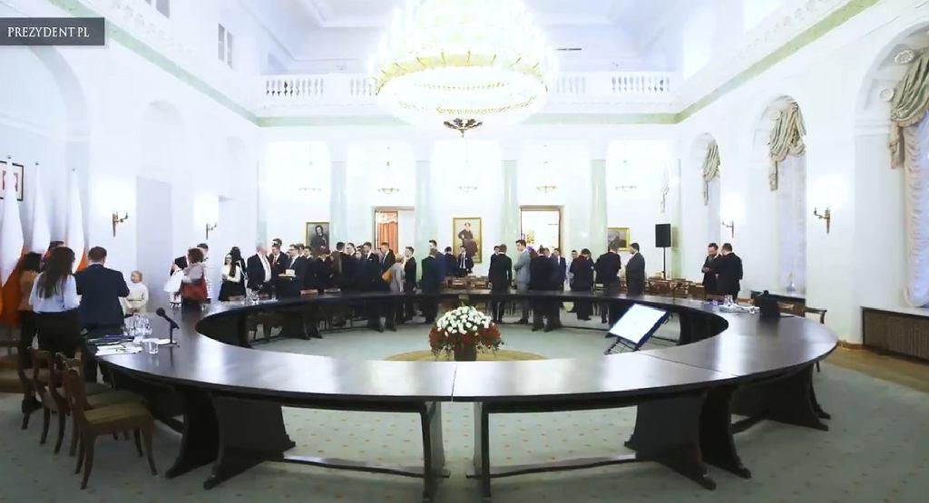 Okrągły Stół stanął w Pałacu Prezydenckim