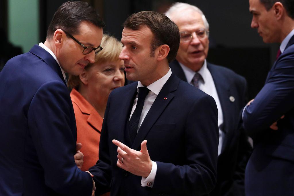 Premier Mateusz Morawiecki i prezydent Francji Emmanuel Macron na szczycie w Brukseli, 12 grudnia 2019.