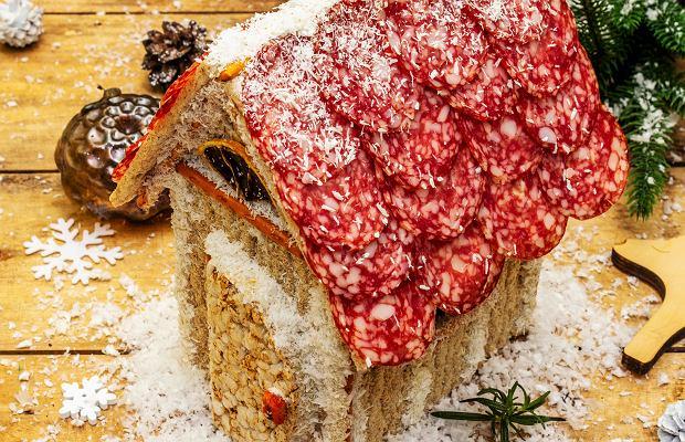 Domki z piernika i świąteczne wieńce to już przeszłość? Teraz robi się je a la deska serów