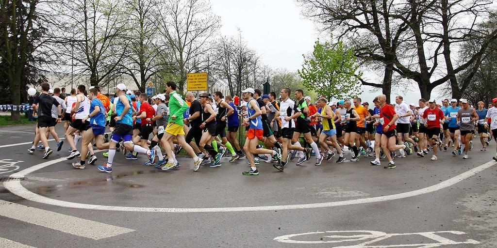 Bieg Nocny na 10 km rozpocznie się o godz. 21:00.