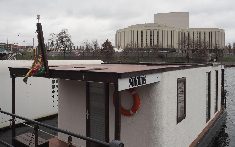 Houseboat Litwina Arunasa Damkusa (fot. Jan Król)