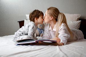 Dodatkowy zasiłek opiekuńczy przedłużony. Komu i do kiedy przysługuje? Świadczenie wypłaca KRUS i ZUS