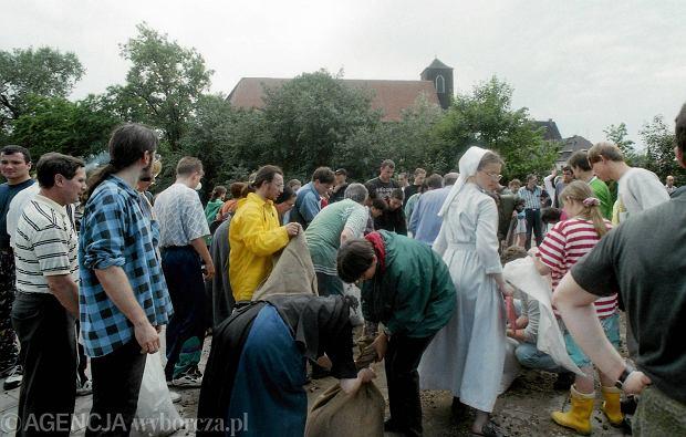 Zdjęcie numer 47 w galerii - 17 lat temu Odra zalała Wrocław. Tak wyglądało miasto [FOTO]