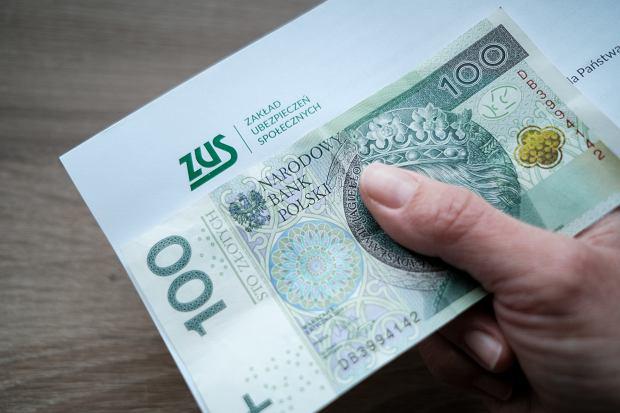 """Samozatrudnienie wypiera umowy-zlecenia. Polacy zakładają """"firmy"""""""