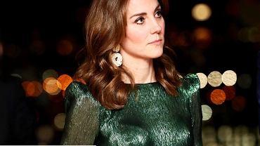 Księżna Kate w kolczykach z popularnej sieciówki
