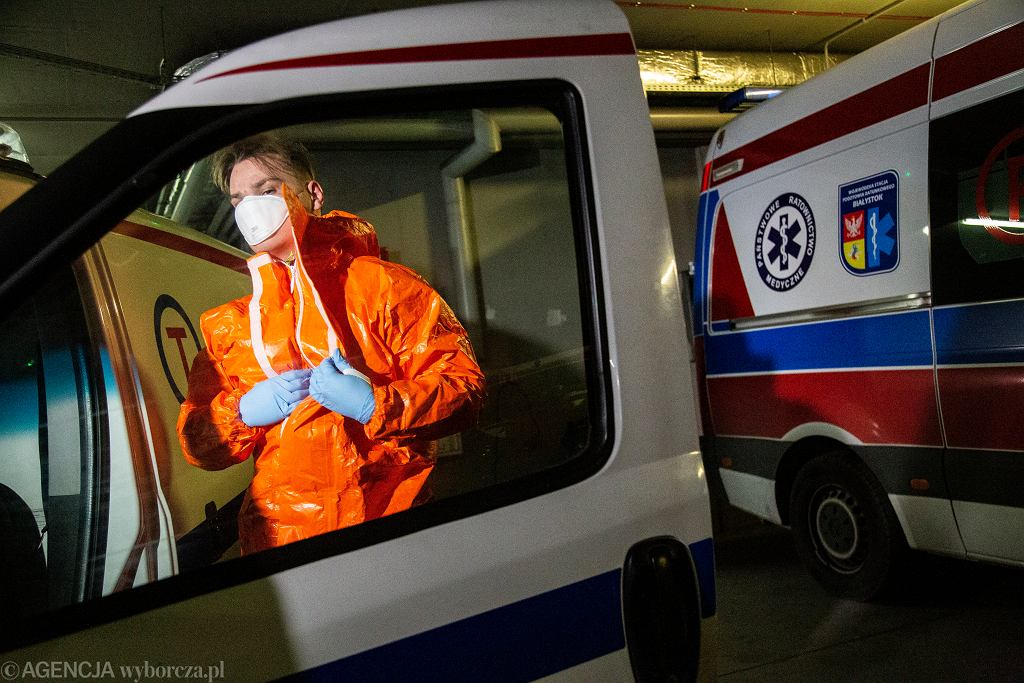 RCB wysyła SMS-y o koronawirusie. Przypomina o nowych środkach bezpieczeństwa (zdjęcie ilustracyjne)