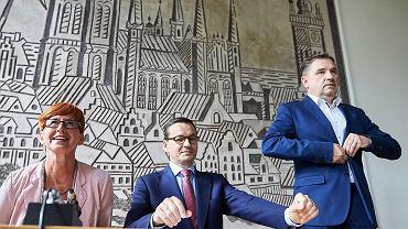 07.08.2018 Gdańsk. Minister rodziny, pracy i polityki społecznej Elżbieta Rafalska , premier Mateusz Morawiecki oraz przewodniczący NSZZ 'Solidarność' Piotr Duda podczas nadzwyczajnego spotkania Komisji Krajowej NSZZ 'Solidarność'