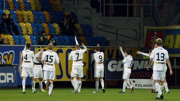 Piłkarze ROW-u Energetyka Rybnik podczas meczu w Gdyni