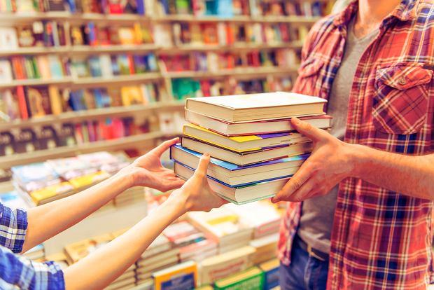 Ta ustawa to koszmar internetowych księgarni i dyskontów. Namawiają swoich klientów do protestów