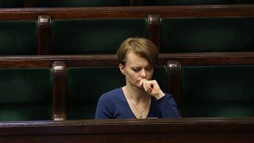 Wicepremier Jadwiga Emilewicz mówiła o pełnym odmrożeniu gospodarki od wakacji i otwarciu granic w połowie czerwca