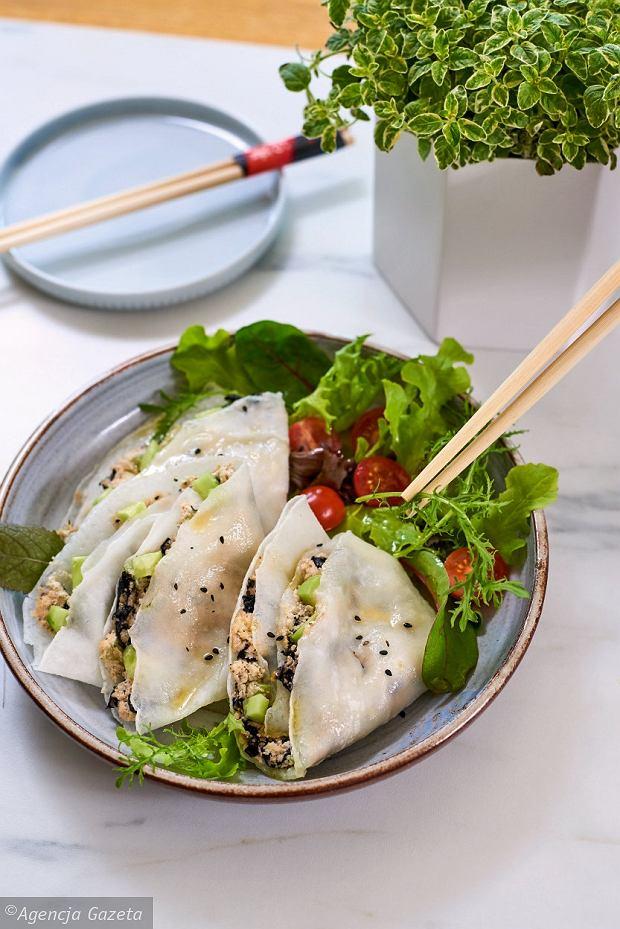 Naleśniki zpastą znerkowców z maki ryżowej