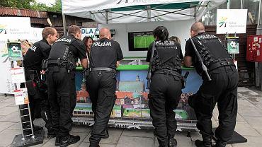 Policji ma być dużo więcej niż na meczu z Grecją, ale nie będzie epatować siłą