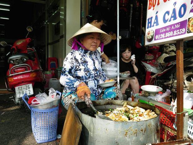 Podobno w bot chien można odnaleźć chińskie wpływy, ale czegoś tak prostego i pysznego nie jadałam nigdzie indziej w całej Azji Południowo-Wschodniej